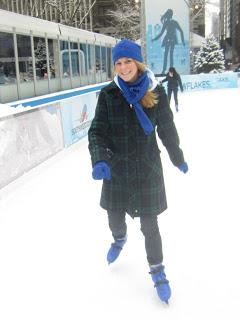 10milesbehindme_ice-skating3