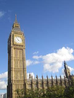 10milesbehindme_london2.JPG