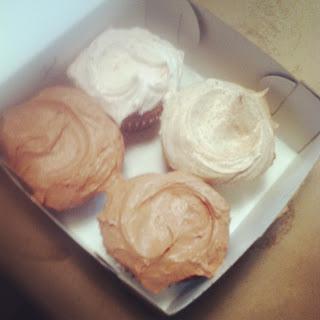 10milesbehindme_cupcakes6.JPG
