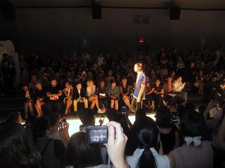 10milesbehindme_fashionshow3
