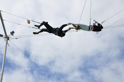 10milesbehindme_trapeze5