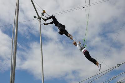 10milesbehindme_trapeze7