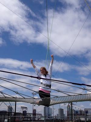 10milesbehindme_trapeze8