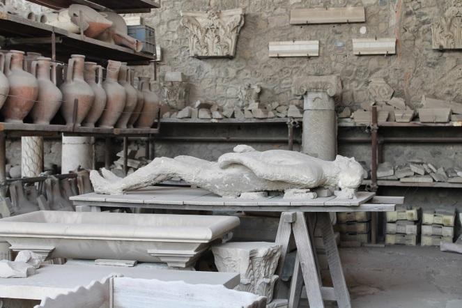 10milesbehindme_pompeii4
