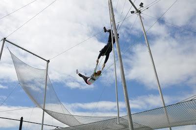 10milesbehindme_trapeze6
