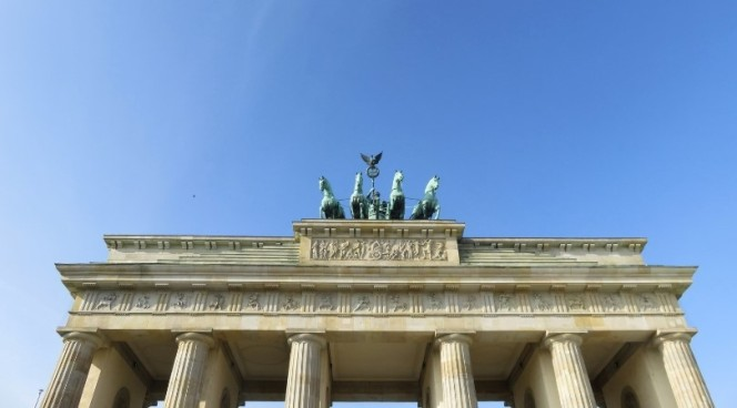10milesbehindme_european-cities_berlin2